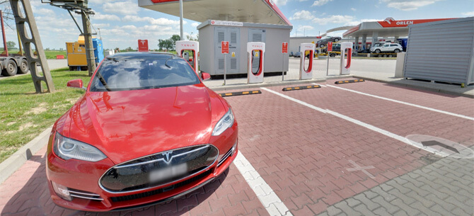 Tesla Supercharger Kostomłoty – Wirtualny spacer Google